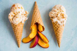 No-Churn Peach Cobbler Ice Cream Recipe