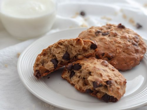chewy-chocolate-chip-oatmeal-breakfast-cookier-ecipe