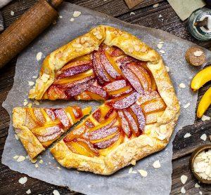 Almond Peach Pie and Vanilla Bean Mascarpone Cream Recipe