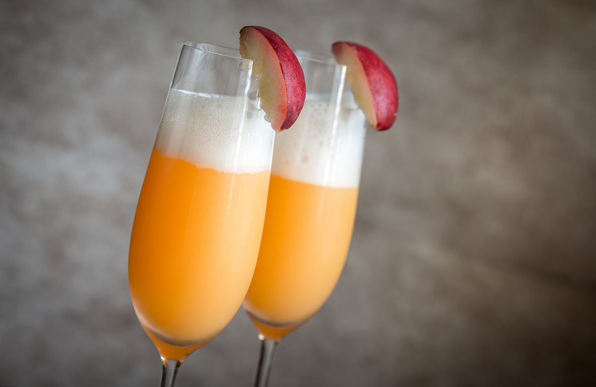 fresh bellini cocktail