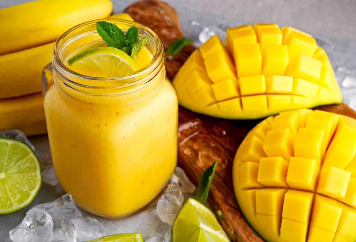 refreshing mango smoothie