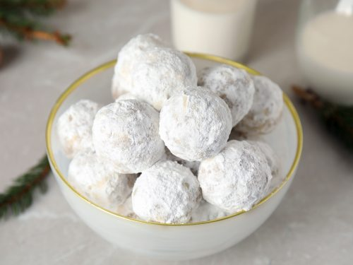 buttery and nutty snowball cookies