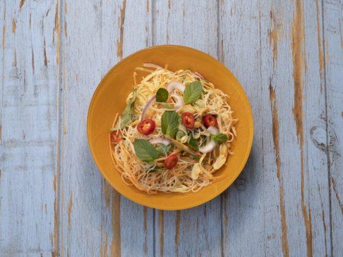 healthy cold noodles salad