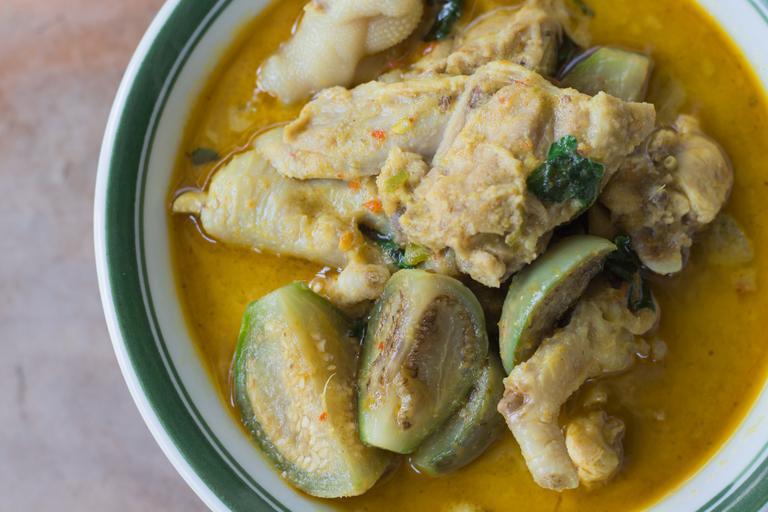 delicious thai chicken coconut soup