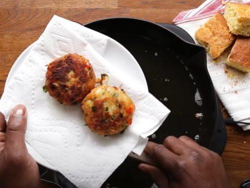 cornbread crab cakes recipe
