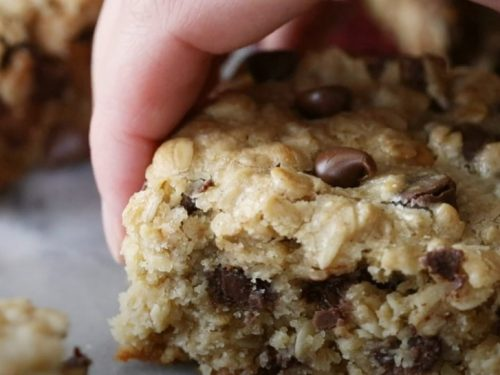 oat and chocolate chip bar cookies recipe