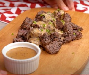 Flank Steak with Creamy Peppercorn Sauce Recipe