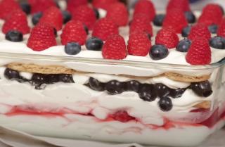 Easy Berry Icebox Cake Recipe