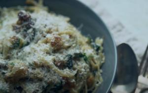 Linguine Pasta with Cauliflower, Garlic, and Bread Crumbs Recipe
