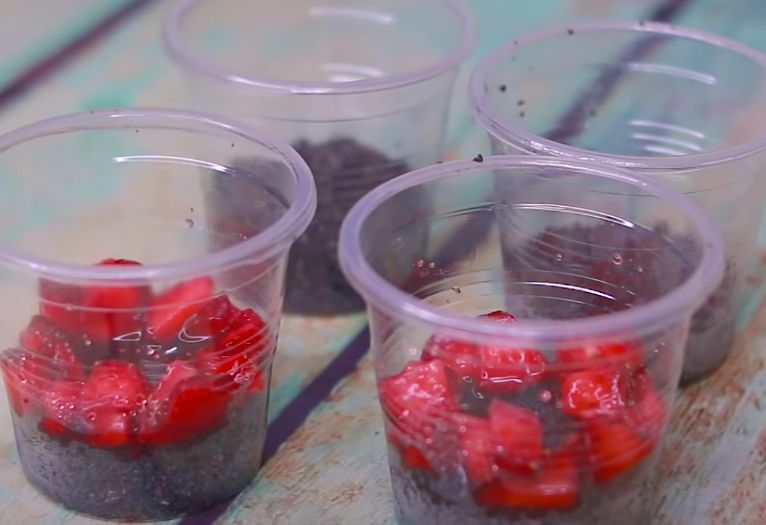 No-Bake Strawberry Nutella Cheesecakes Recipe