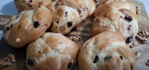 Savory Cranberry and Walnut Biscuits Recipe