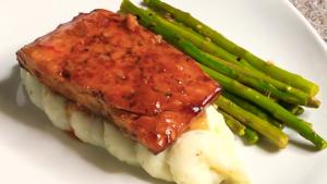 Slow-Roasted Salmon with Sweet Chili Glaze and Scallions Recipe