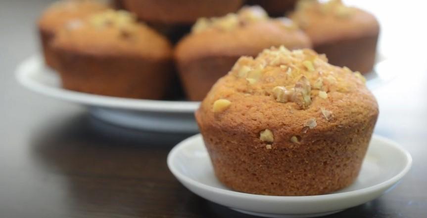 Sour Cream Maple-Walnut Muffins Recipe