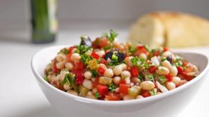 White Bean Caprese Salad Recipe