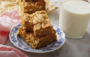 White Chocolate and Caramel Blondies Recipe
