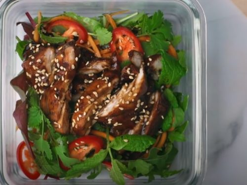 green-chile chicken thighs with arugula salad recipe