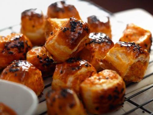 sausage rolls with spicy honey mustard sauce recipe