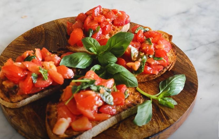 tomato mozzarella garlic bread dippers recipe