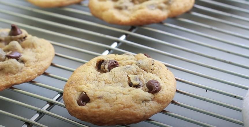 Easy Gluten-Free Chocolate Chip Cookies Recipe