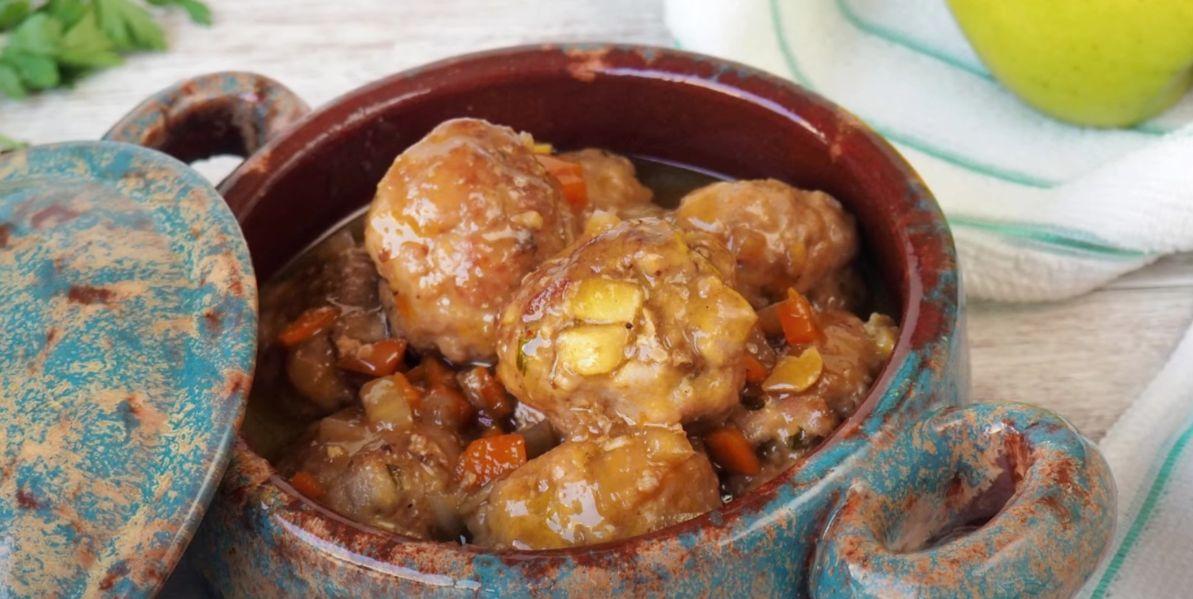 Albondigas con Manzanas Recipe