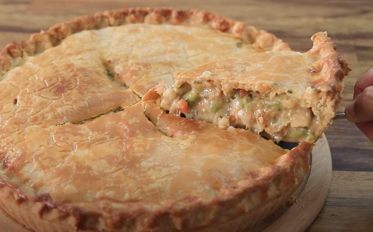Traditional Homemade Chicken Pot Pie Recipe