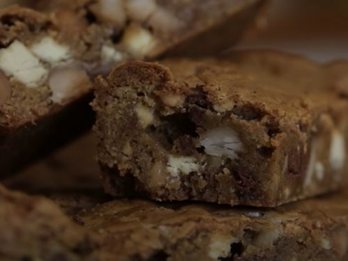 Chocolate Chip Pecan Blondie Recipe
