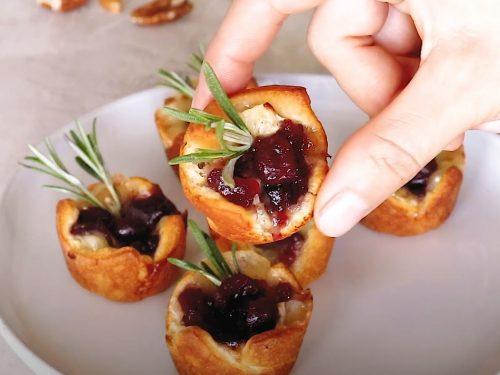 Cranberry Pecan Brie Bites Recipe