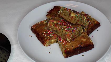 funfetti cake batter blondies recipe