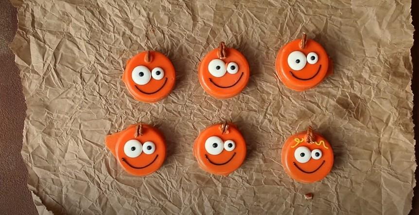 Halloween Pumpkin Oreos Recipe