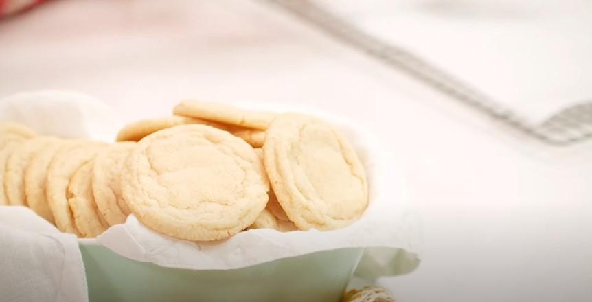Simple Sugar Cookies Recipe