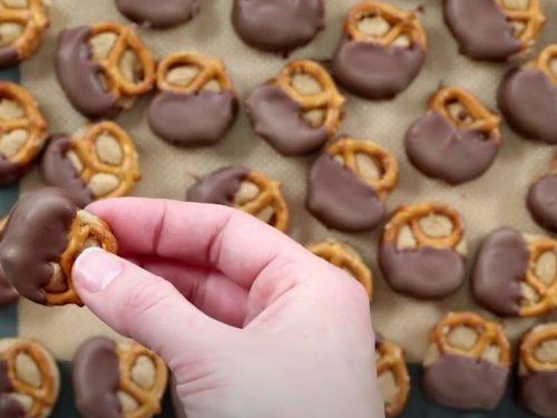 Snickers Pretzel Bites Recipe