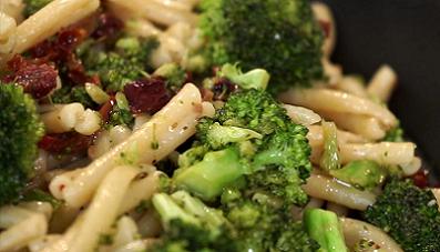 Spicy Sun Dried Tomato and Broccoli Pasta Recipe