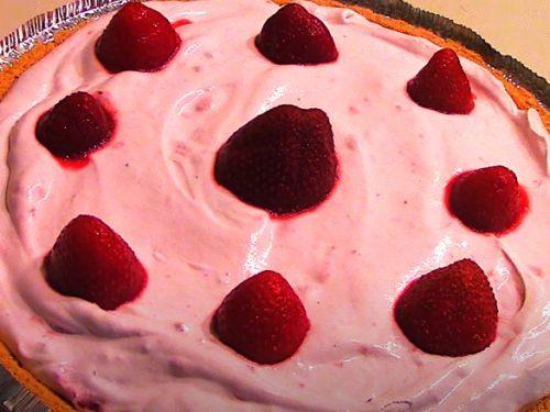 Strawberry Frozen Yogurt Pie Recipe
