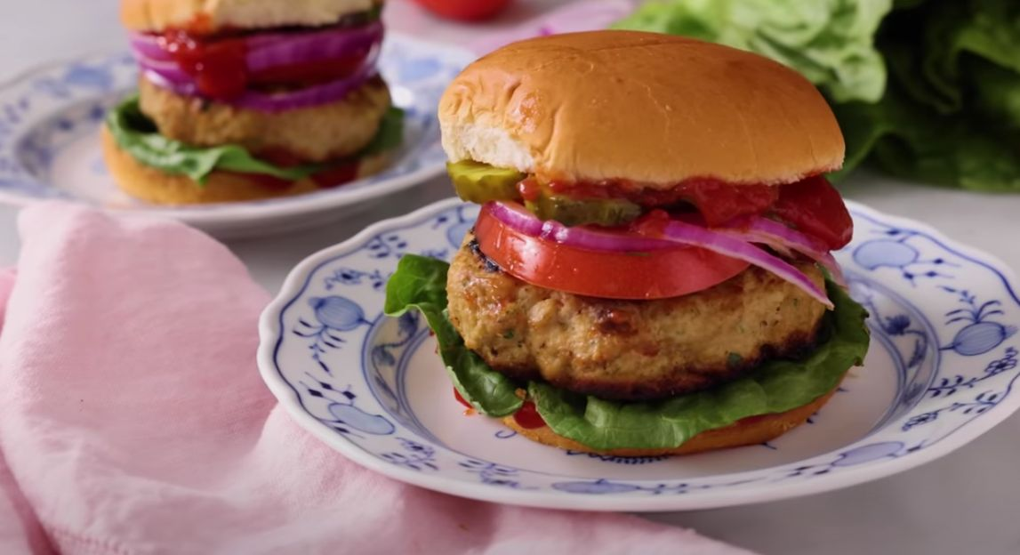 Turkey Burgers with Spicy Pickle Sauce Recipe