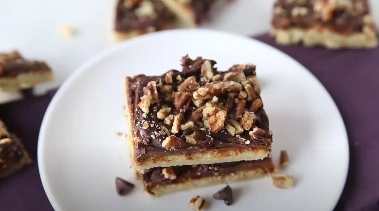 Turtle Pecan Bars Recipe