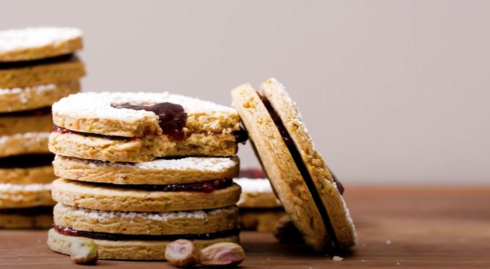 raspberry pistachio linzer cookies recipe