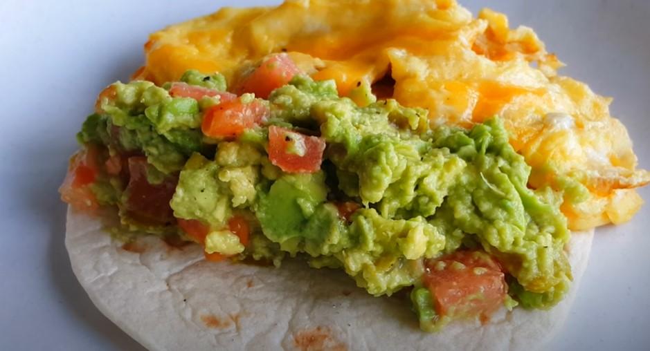 spicy breakfast fajitas with eggs and guacamole recipe