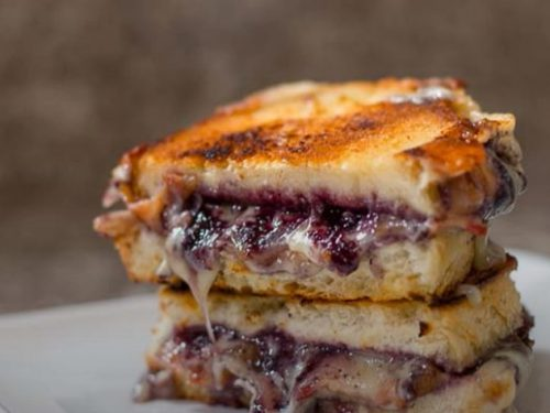 blueberry brie grilled cheese recipe