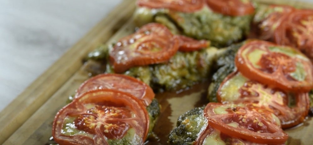 baked shells with pesto, mozzarella, and meat sauce recipe