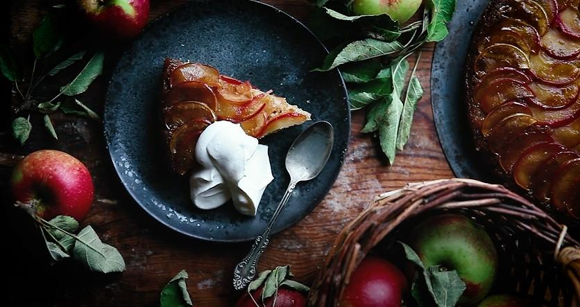 Caramel Apple Upside Down Cake Recipe