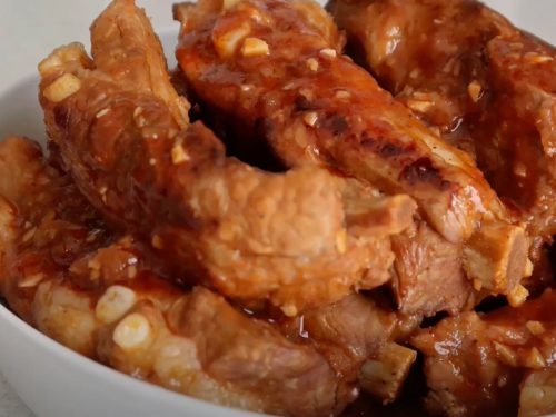 Pork Ribs with Garlic, Chilies, and Tomato Recipe