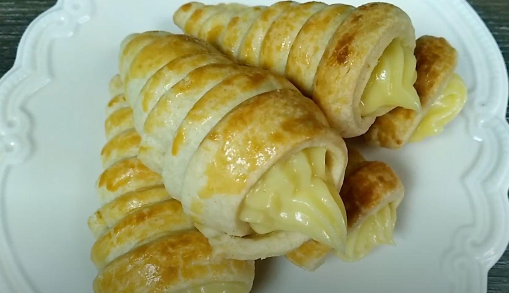 Praline-Pumpkin Mousse Cornucopias Recipe