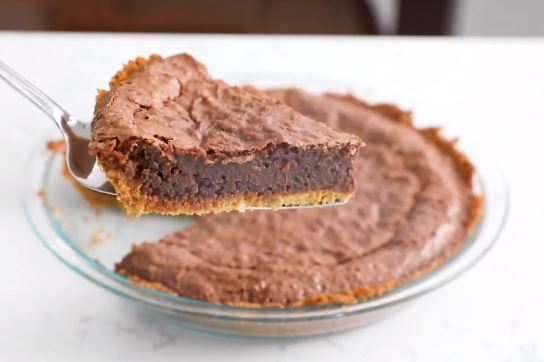 chocolate candy pie with graham crust recipe
