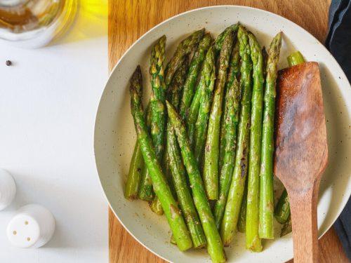 Air Fryer Asparagus Recipe, crisp and tender asparagus seasoned with salt, pepper, and olive oil