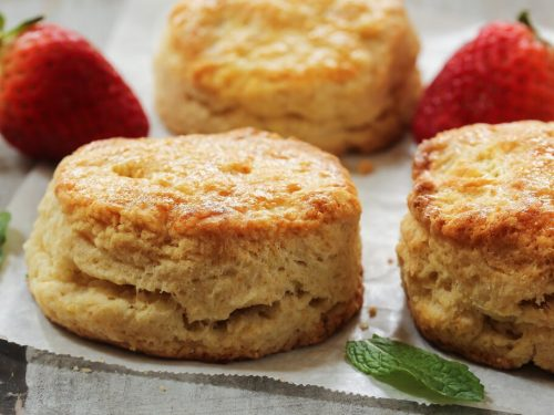 Sour Cream Biscuits Recipe, soft and fluffy homemade biscuits made with sour cream and butter