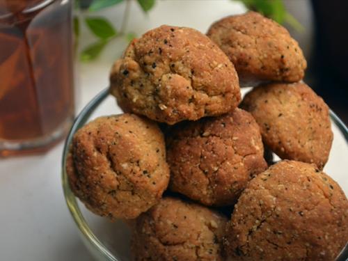 black tea cardamom cookies with black tea icing recipe