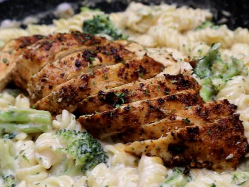 easy leftover rotisserie chicken alfredo recipe