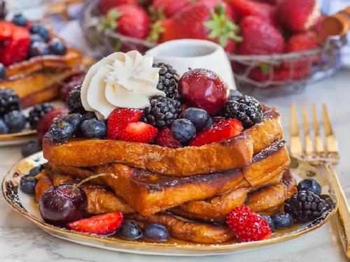 mixed berry french toast recipe