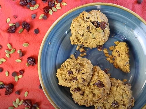 pumpkin-oat chocolate chip cookies recipe