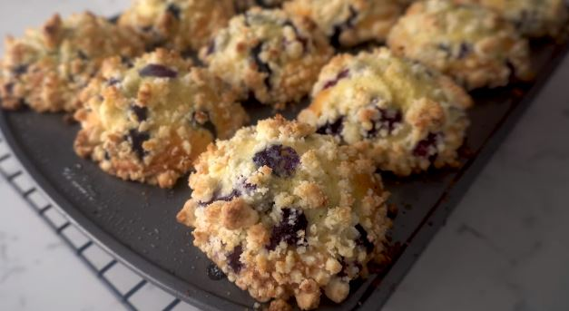 streusel topped blueberry muffin recipe